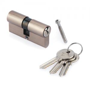 Cilindro serreta estándar con cinco llaves