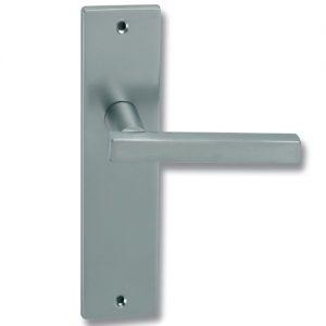 Placa de latón para puertas